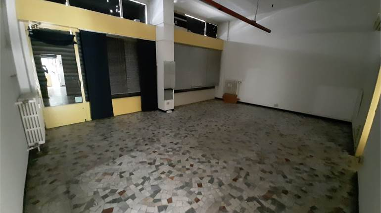 Commercial Premises / Showrooms for rent in Milano