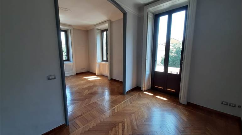3+ bedroom apartment for rent in Milano